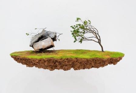 Jorge Mayet, Sem titulo, Hilo de cobre biscuit poliuretano fibra sintética y tinta acrílica, 2020 (Inox gallery foto)