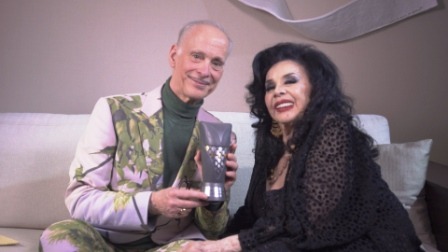 John Waters y Isabel Sarli