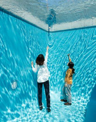 Leandro Erlich, Swimmingpool (2004)