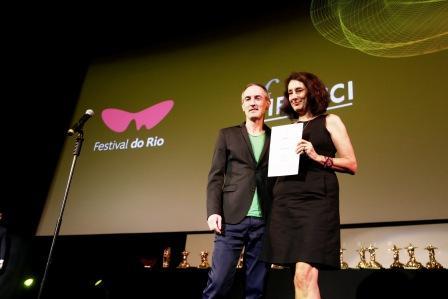 "Mejor Largometraje Ficcional: ""Deslembro"" de Flavia Castro"